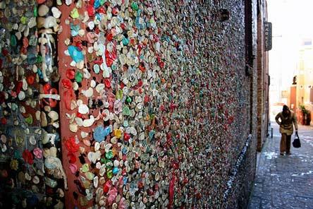 دیوار آدامسی در سیاتل آمریکا!