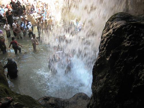 مکان تفریحی تنگه واشی در فیروز کوه تنگه واشی تصاویر زیبا تصاویر بسیار دیدنی از طبیعت زیبای تنگه واشی بسیار دیدنی