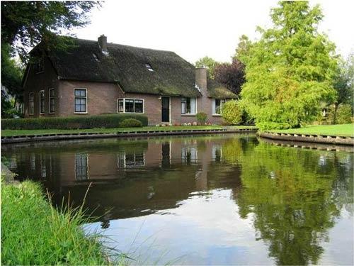 یک روستای عجیب در هلند