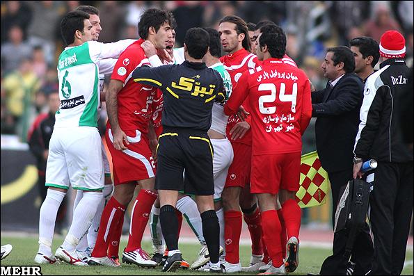 عکس   تفاوت درگیری بازیکنان ایرانی و خارجی+عکس