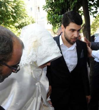 پسر پروین احمدی نژاد و همسر ترکش