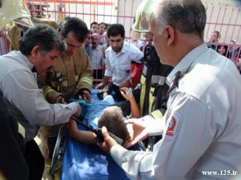 قطع انگشت کودک8ساله در وسايل بازي در تهران(+تصاویر)