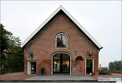 اصطبلی که تبدیل به خانهای فوق العاده زیبا شد!! + عکس www.TAFRIHI.com