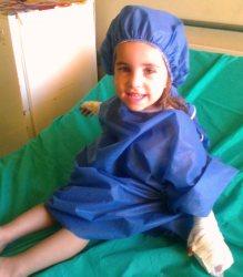 113762 417 ميمون باغ وحش انگشت دختر سه ساله را خورد