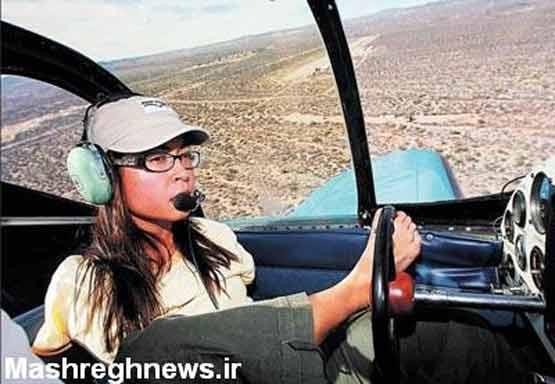 عکس: دختر خلبان بدون دست