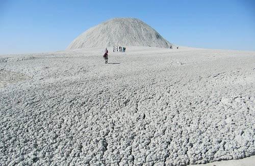 177085 506 زیباترین چشمه بدون آب دنیا +تصاویر
