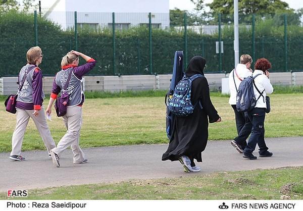 تیرانداز زن ایرانی با چادر در المپیک