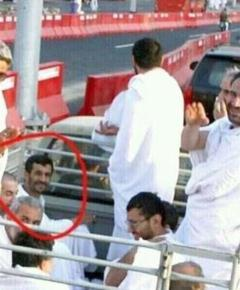 احمدی نژاد سوار بر وانت در سفر عربستان!