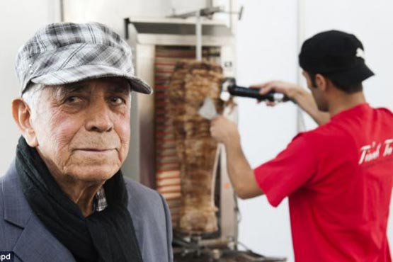 کباب ترکی در سوگ پدرش