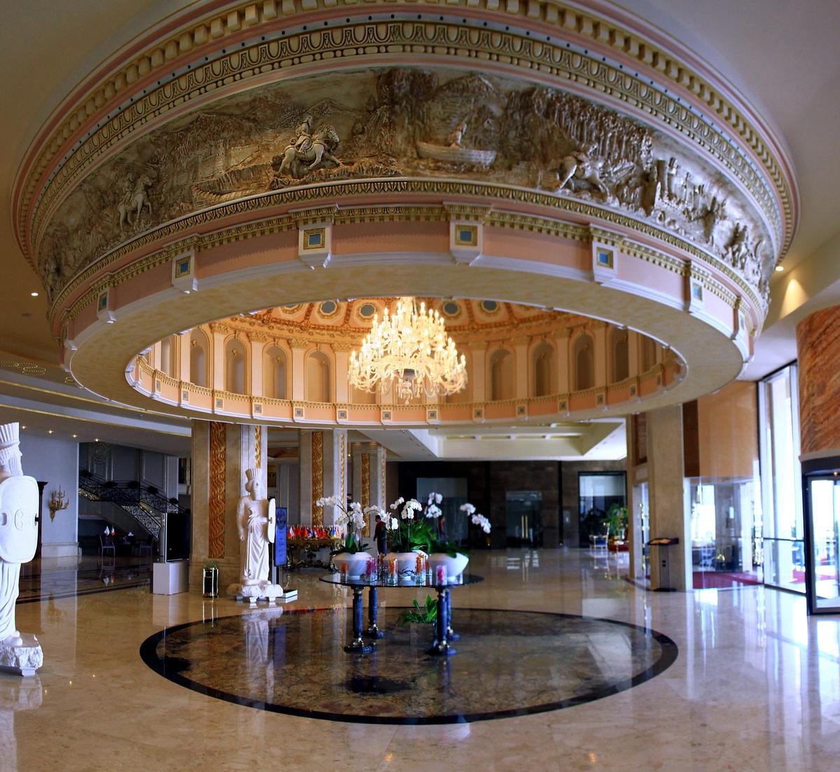 """""""اسپیناس""""زیبا و مجلل ترین هتل کشور"""