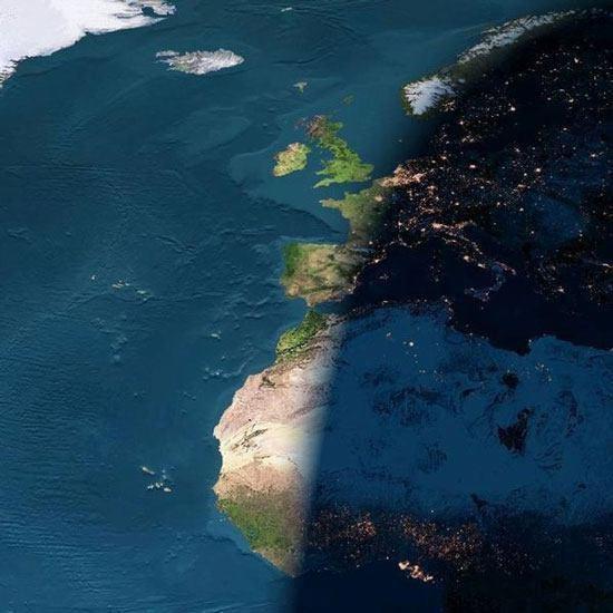 تصویری دیدنی از مرز خطی بین شب و روز زمین