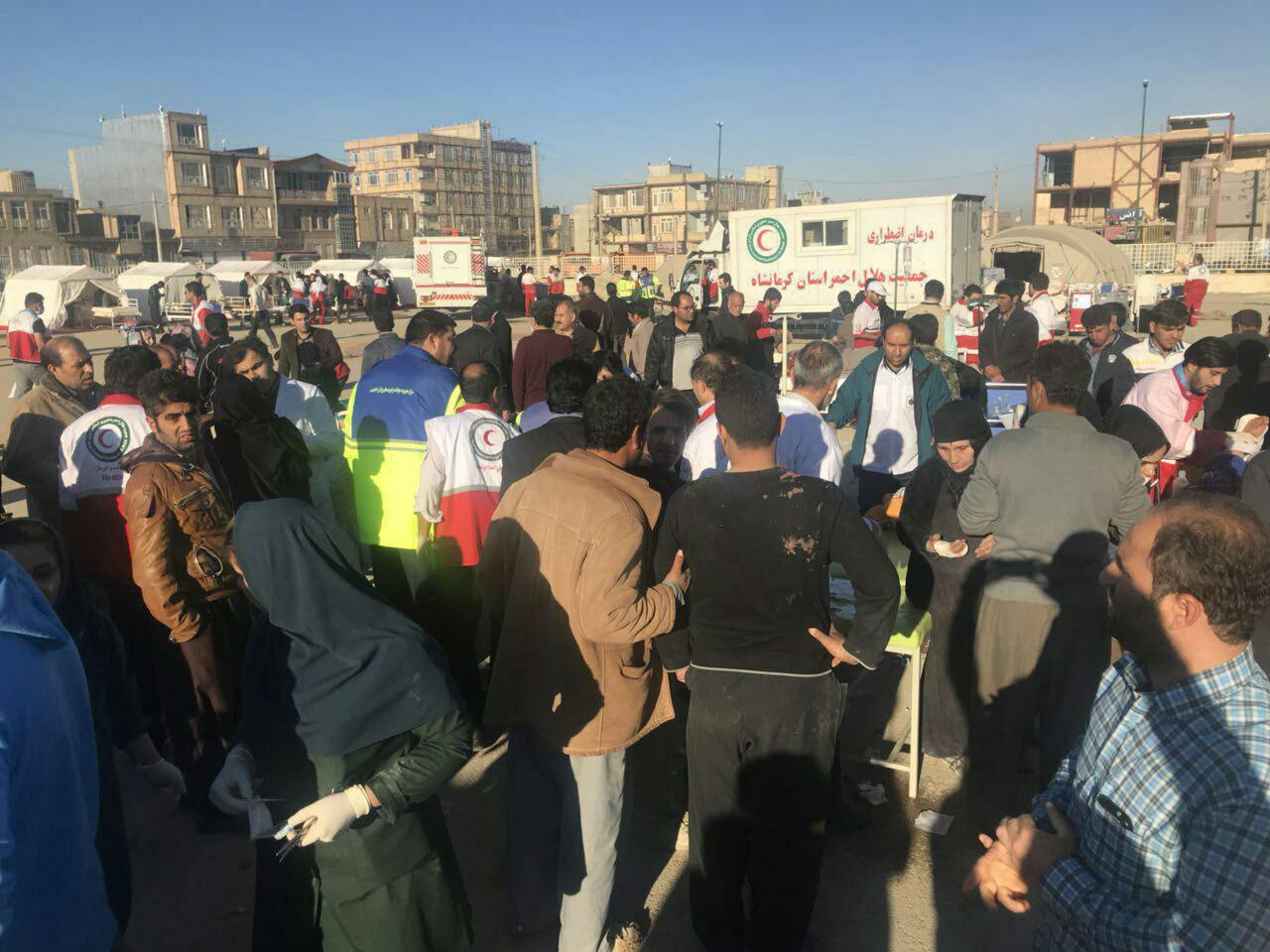 شمار جانباختگان به 200 تن رسید /70 هزار نفر بی خانمان شدند/ اعلام سه روز عزای عمومی در استان کرمانشاه