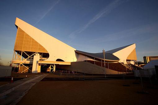 نمای بیرونی ورزشگاه ورزش های آبی المپیک 2012 Clive Rose/Getty Images