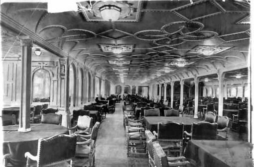 از سالنهای غذاخوری تایتانیک؛ این کشتی، یکی از مجللترین کشتیهای زمان خود به شمار میآمد. The New York Times Photo Archives/American Press Association
