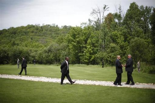 28 ژوئن 2010: تیم محافظت اوباما در زمین گلف هانتسویل وقتی رئیس جمهور برای بازی به آنجا رفته بود. REUTERS/Jason Reed