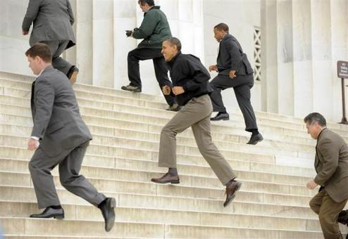 9 آوریل 2011: بازدید از بنای یادبود آبراهام لینکولن در واشنگتن REUTERS/Mike Theiler