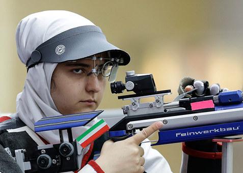 مه لقا جامبزرگی که در روز دوم رقابت ها به همراه الهه احمدی مسابقه داد و از دور رقابت های حذف شد.