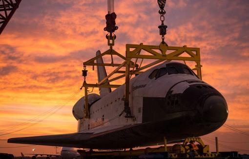 فرودگاه بین المللی لس آنجلس (AP Photo/NASA, Bill Ingalls)