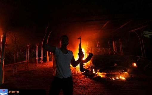 ۲۲ شهریور ۱۳۹۱ (دوازدهم سپتامبر ۲۰۱۲) در پی ساخت فیلم موهن به ساحت پیامبر اسلام در ایالات متحده مسلمانان در سراسر دنیا به خشم آمده و به نشانه اعتراض به خیابانها ریختند. این اعتراضها در لیبی با سردمداری نیروهای القاعده، منجر به کشته شدن «کریستوفر استیونز»، سفیر ایالات متحده آمریکا در بنغازی لیبی شد.