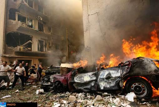 انفجار مهیبی که بعدازظهر جمعه ۲۸ مهر (نوزدهم اکتبر) در منطقه اشرفیه بیروت، پایتخت لبنان روی داد، شماری کشته و زخمی بر جای گذاشت که یکی از آنان، «وسام حسن»، رئیس اداره اطلاعات سازمان امنیت لبنان بود؛ این انفجار روابط لبنان و سوریه را به حالت بحرانی درآورد و انگشت اتهام را به سوی سوریه نشانه رفت که البته هیچ گاه سندی برای آن ارائه نشد.