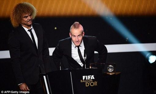 میروسلاو استاک (بازیکن فرنباغچه) برنده جایزه پوشکاش شد و جایزه اش را هم از کارلوس والدراما دریافت کرد.
