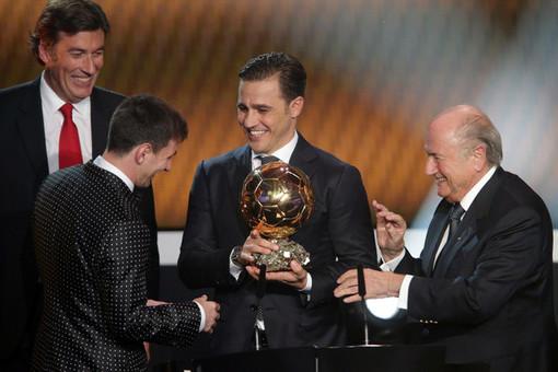 اهدای توپ طلا به لیونل مسی