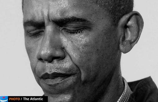 باراک اوباما به رغم این که هیچ گاه گزینه نظامی را علیه ایران مطرح نکرد، اما مهمترین تحریمها را علیه دولت و ملت ایران اعمال کرد؛ تحریمهای شدید ایالات متحده پس از امضای قانون بودجه دفاعی این کشور ـ که پیشتر در دو مجلس سنا و کنگره به تصویب رسیده بود ـ در واپسین روز سال ۲۰۱۱ توسط باراک اوباما برقرار شدند. این قانون با هدف قرار دادن درآمدهای نفتی ایران، داد و ستد با بانک مرکزی جمهوری اسلامی را زیر مجازاتهای آمریکا قرار میداد؛ اما این تحریم بیش از هر چیز، در حوزه دارو اثرات سوء و غیر انسانی داشته که بیماران ایرانی را در موارد خاص با مشکلات متعددی روبهرو ساخته است.