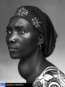 استفان وان فرتن با ثبت تصویری از پرتره زنی اهل گینه که غده تیئروید دارد برنده جایزه داستان یک چهره ورد پرس شده است.