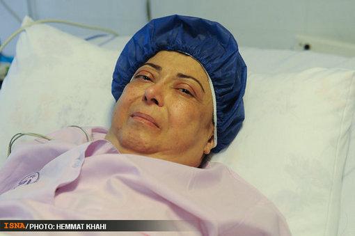 روز 25 مرداد 1391 هم روزی بود که نادیا دلدار گلچین، یکی از معروف ترین چهره های تلویزیونی ایران پس از چند روز کما دار فانی را وداع گفت.