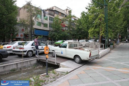 تصاویر :فرهنگ عجیب پارک کردن خودرو در تهران