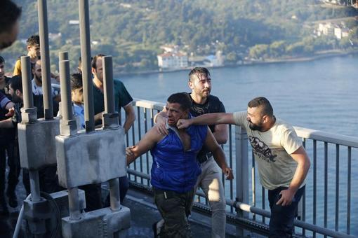 شدت خشونت در مواجهه با کودتاگران در ترکیه تکاندهنده است